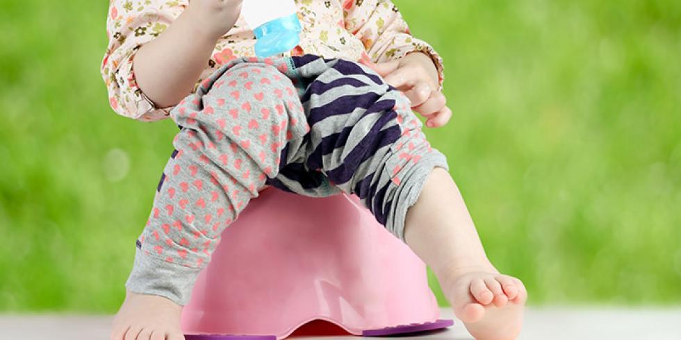 Bébé constipé, pas de selles, symptômes de la constipation